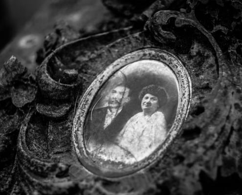 How to Retain the Value of Your Old Photographs